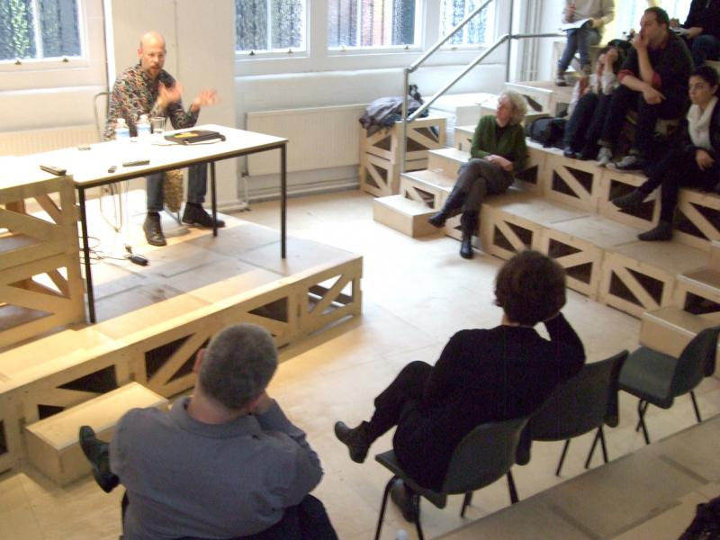History and Critical Thinking Debates on City, Politics and Spaces, with Jesko Fezer and Francoise Fromonot (photo by Sandra Meireis)